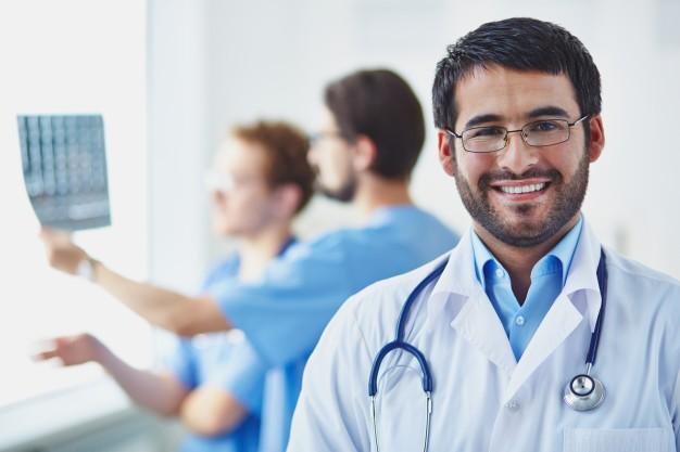 Descubra como escolher o melhor plano de saúde par PME.